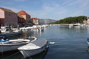 Stari Grad Hafen